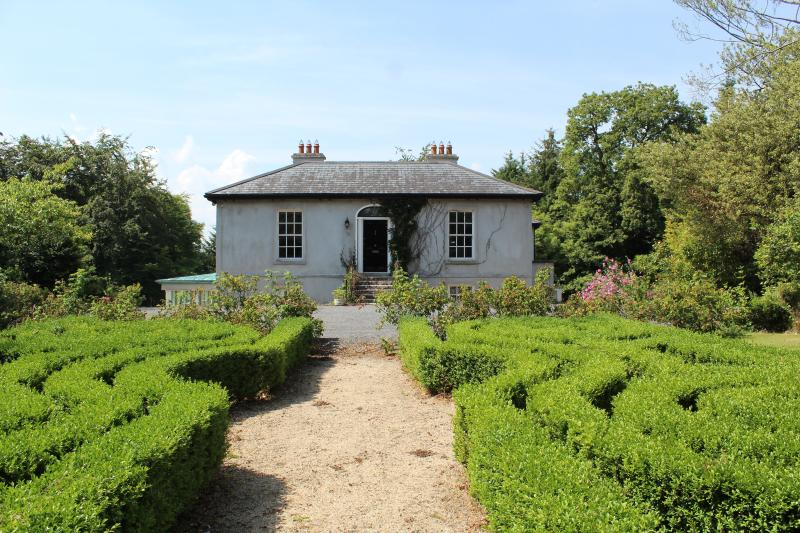Millbank, 18th Century Manor House, vacation rental in Ballyragget