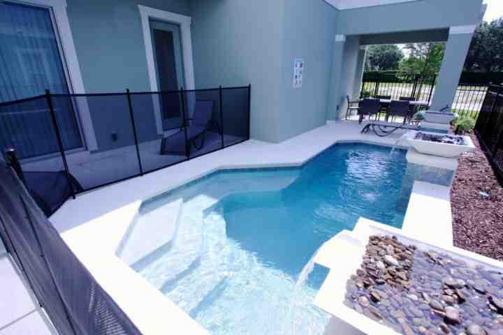 Private Splash Pool w/Water Feature - View #2