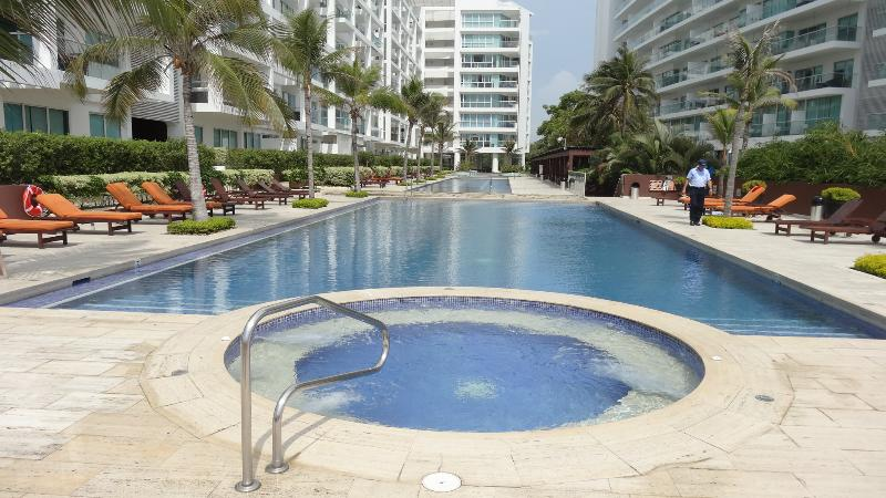 Front Pool and Beach Space