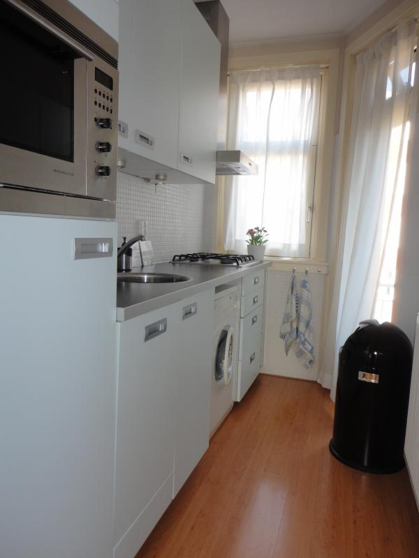 fully equipped kitchen - 1