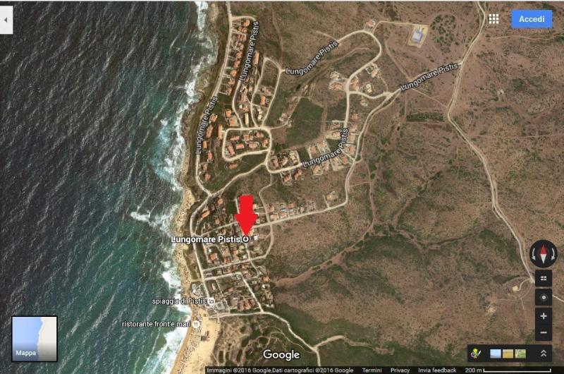 Vista satellitare di Pistis .La freccia rossa indica la casa.