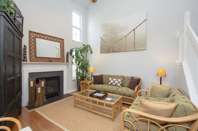 Relax in Designer Style!, holiday rental in Charleston