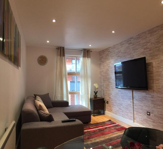 Superb Northern Quarter 2 Bed Apartment, vacation rental in Manchester
