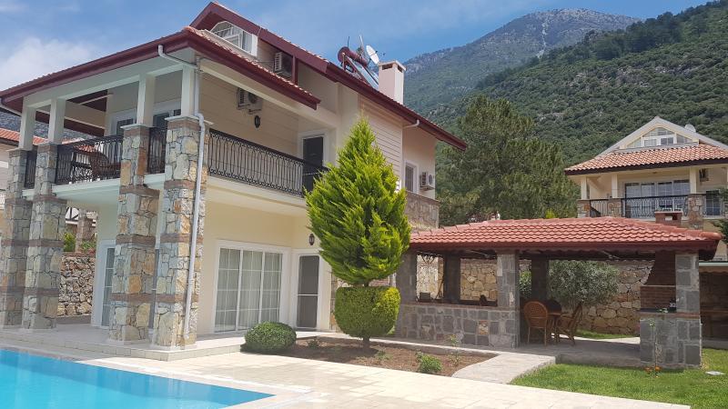 Villa Ayshella