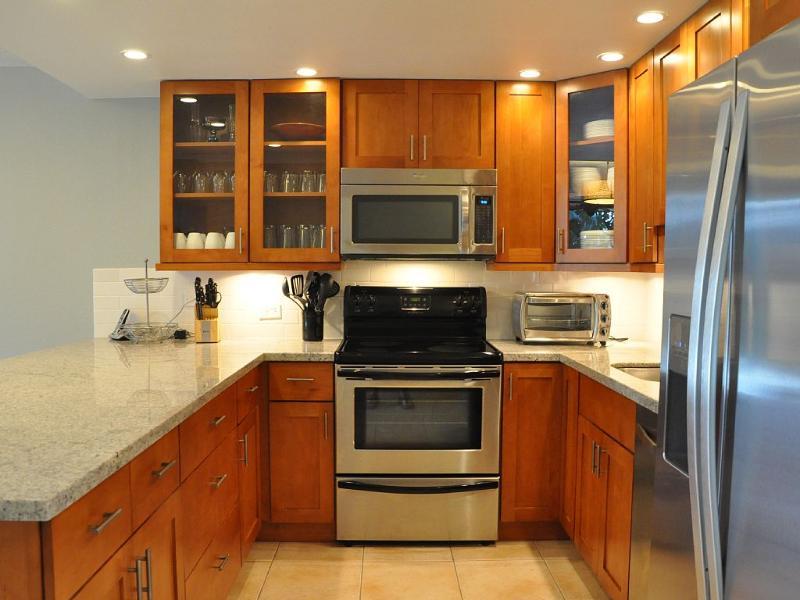 Coffee Maker and Grinder, Toaster Oven, Breakfast Griddle, Blender, Rice Cooker