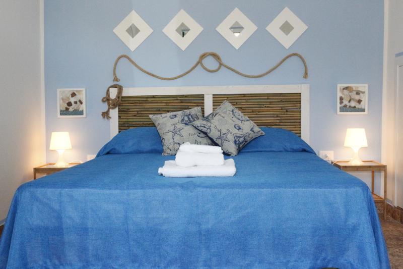 Villa deborah-APP Marechiaro, holiday rental in Torre San Giovanni
