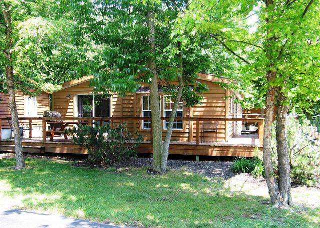 3 Bedroom 2 Bathroom Vacation Rental Home in the Island Club - Sleeps 8, aluguéis de temporada em Put in Bay