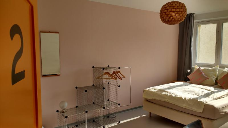 MINITEL- Romantic & Cosy. Private bathrom. Kitchen, holiday rental in Mahlow