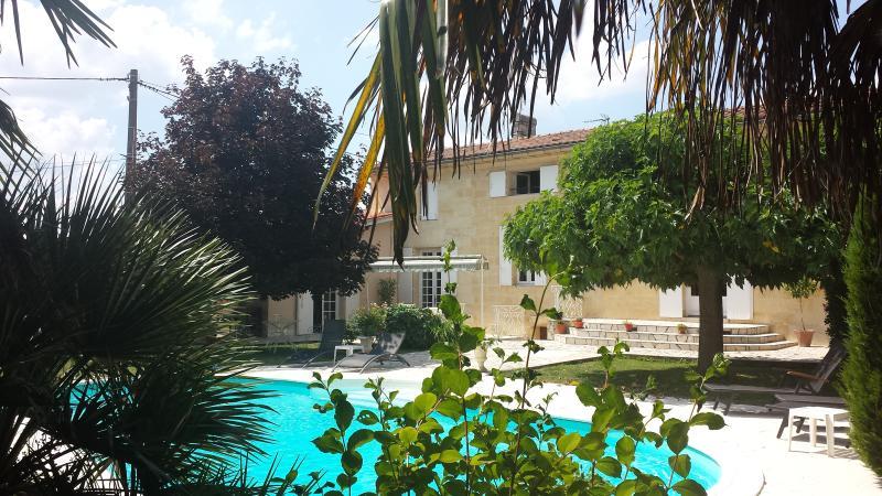 Les Abris de Saint Sulpice-Saint Emilion-Le Studio, casa vacanza a Saint-Hippolyte