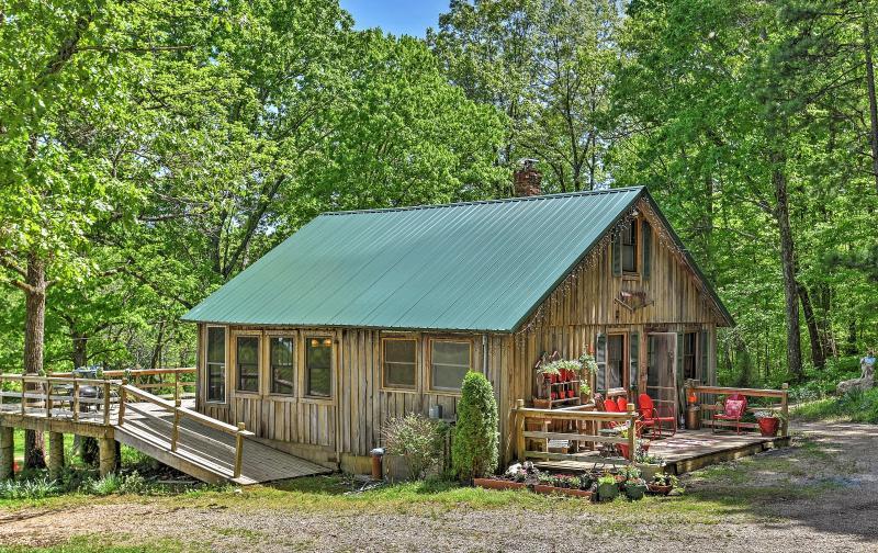 Benvenuti in questo rustico cabina casa vacanze Missouri!