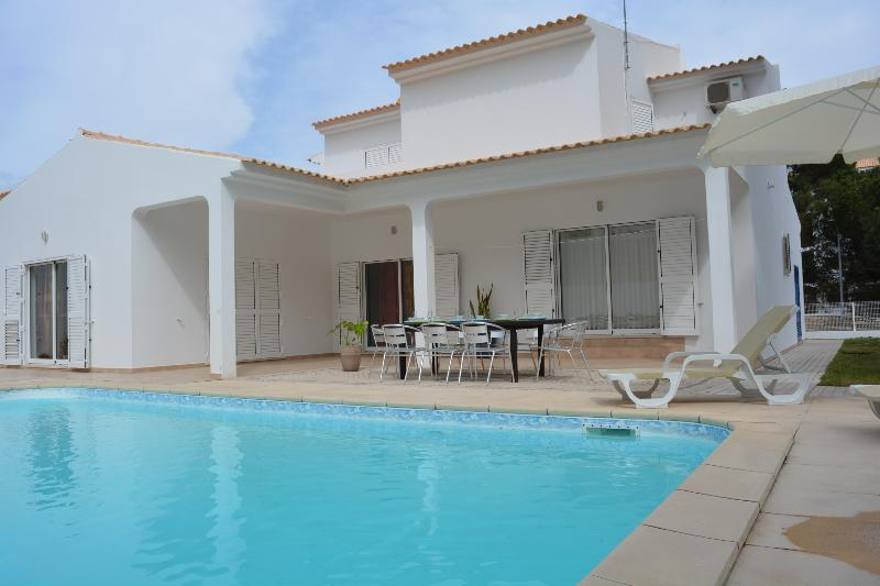 Experience the best of Algarve region while enjoying the comfort of spacious and pleasant villa.