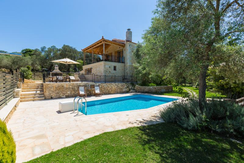 Villa Caneva - Full Privacy in the Nature! – semesterbostad i Kreta