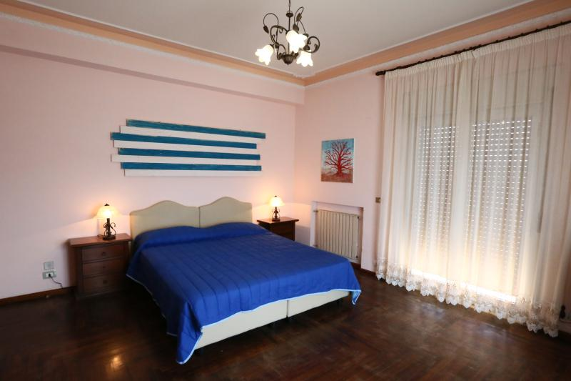 Sirocco b&b, vakantiewoning in Villa San Giovanni