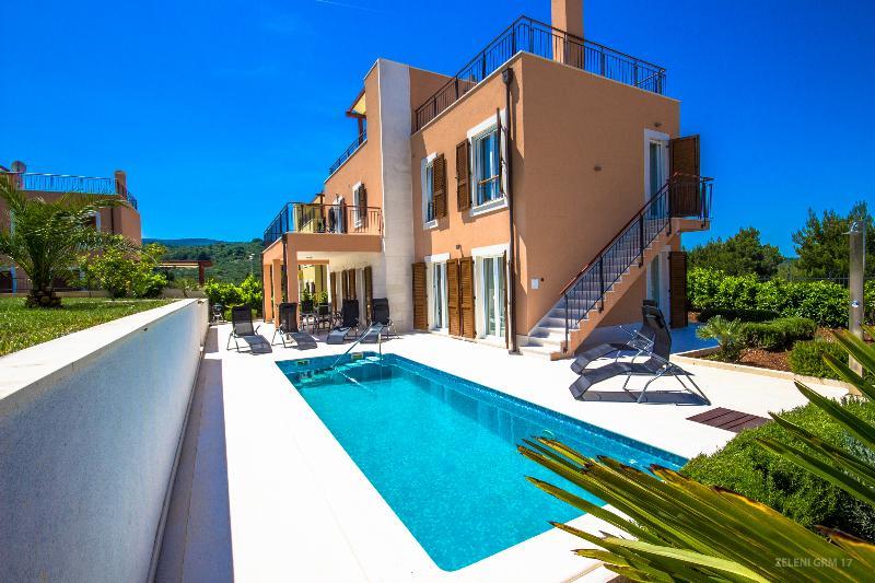 Splitska Villas - Relax, location de vacances à Splitska