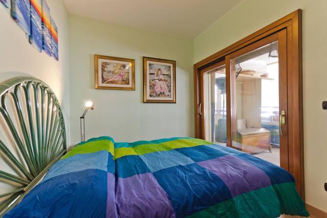 Casa Azzurra a 150 metri dal mare, vakantiewoning in Gallina