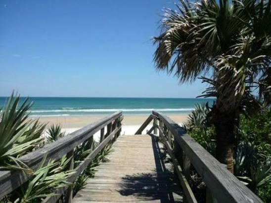 Honu Hideaway at Oceanwalk Resort, holiday rental in New Smyrna Beach