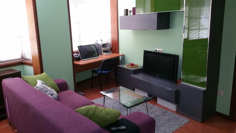 APARTAMENTO BARATO EN CANGAS DE MORRAZO, holiday rental in Cangas do Morrazo