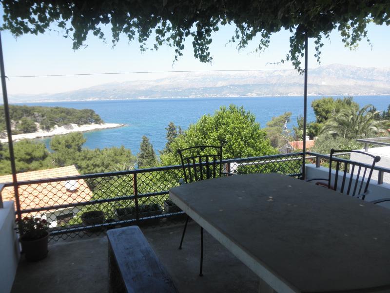 Holiday house Lena, location de vacances à Splitska