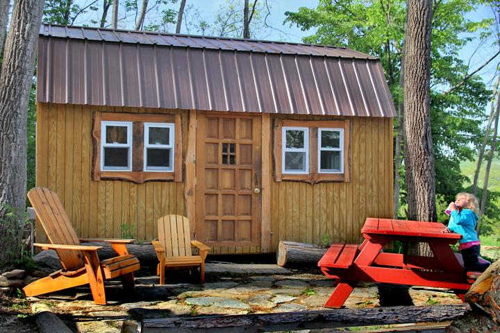 Outside deck, Fox Den at Turtle Rock Hollow.  One of our three cabins