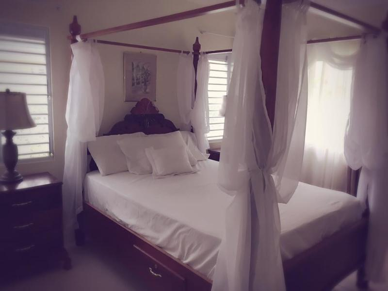Master Bedroom with Ensuit and Air Conditioning
