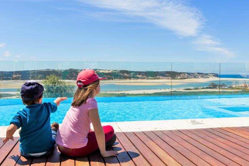 Casa do Lago villa-family friendly-12 sleeps-5 Bdr, location de vacances à Foz Arelho