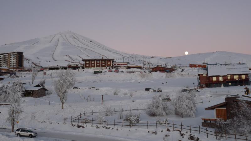 Departamento en el Centro de Esquí El Colorado 301, alquiler vacacional en Farellones