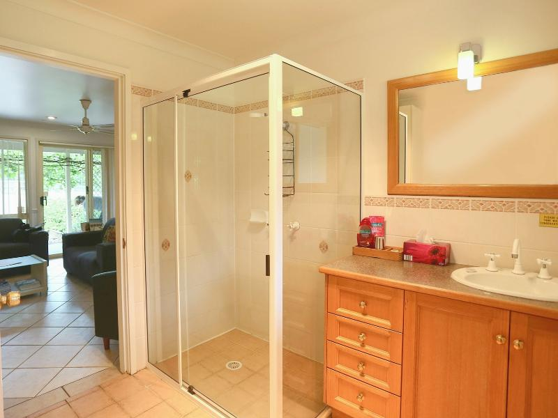 Shower room with toilet (+ additional separate toilet)