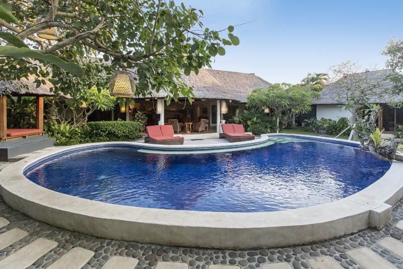 Bali Akasa Villa, Bungalow et piscine