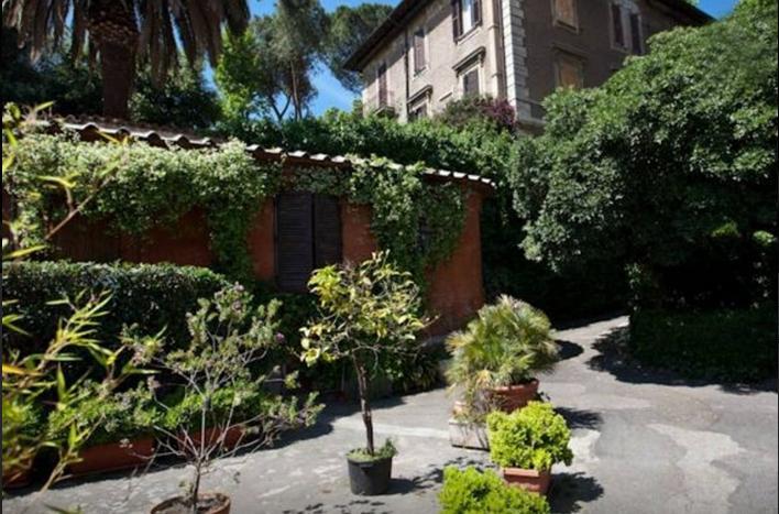 Trastevere Village Chalet in Rome