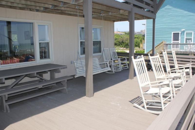 Deck with picnic Table and Swing