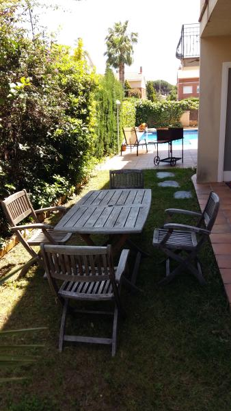 garden barbecue and pool