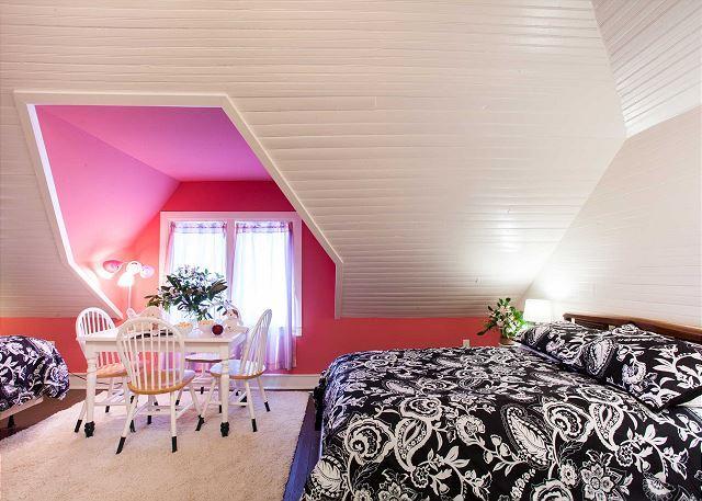 Slaapkamer boven met 2 vol