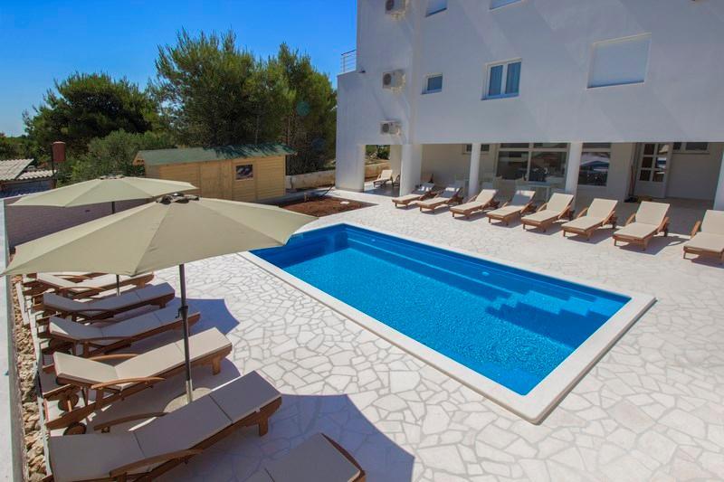 Appartement villa avec piscine à louer, Vodice