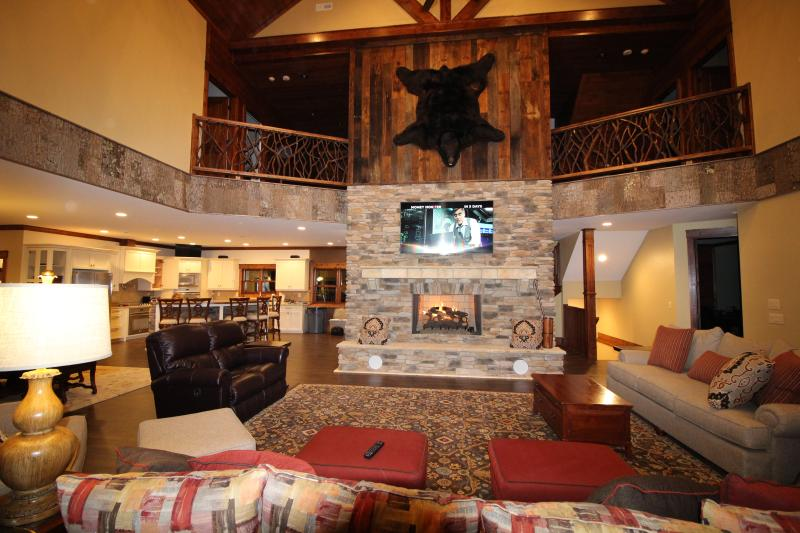 Luxury Mountain Lodge to make Awesome Memories, location de vacances à Jackson County