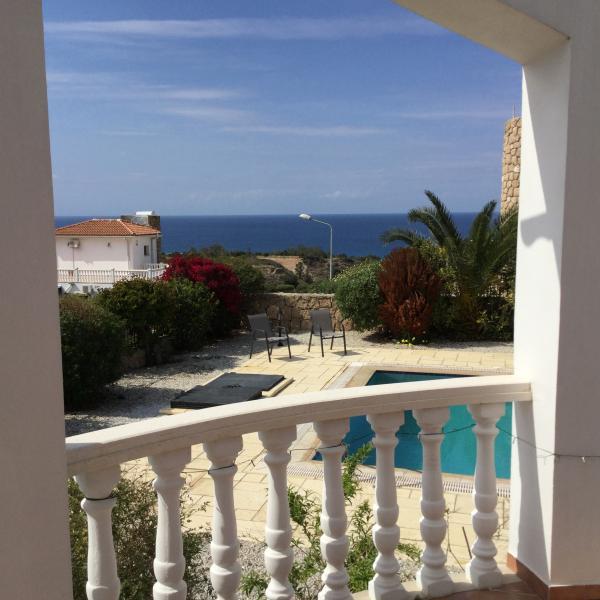 Lower terrace sea view