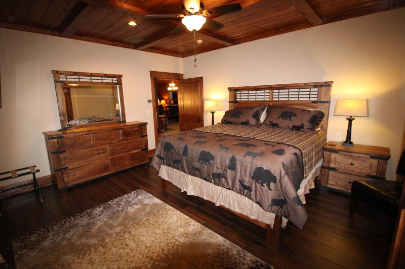 Master bedroom #4 on 2nd floor - King bed, DirecTV, Full bathroom.