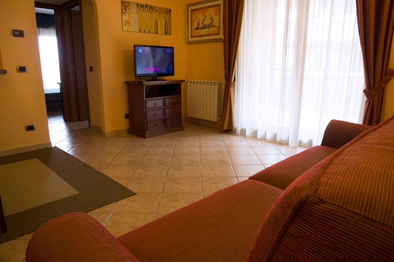 elegante appartamento arredato, vacation rental in Ardea