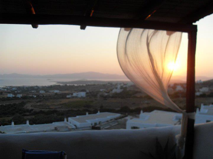 Summer House Panoramic Sea View in Ageria-Paros, alquiler de vacaciones en Aliki
