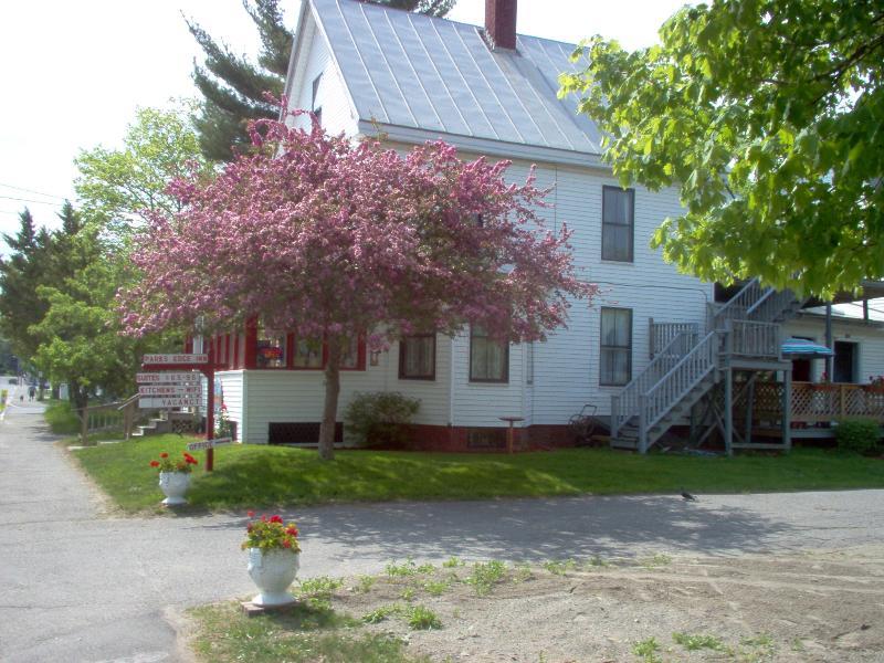 Front Entrance Parks Edge Inn.