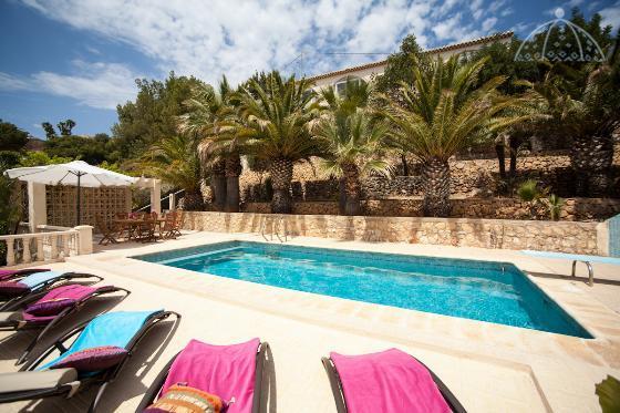 Altea Villa Sleeps 8 with Pool Air Con and Free WiFi - 5047650, Ferienwohnung in Altea la Vella