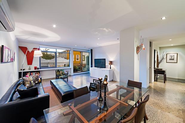 Glamorous inner city spacious 2bdrm apartment, holiday rental in North Fitzroy