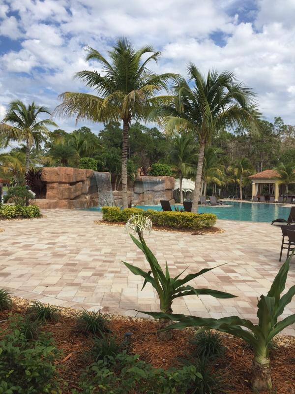 Θέρετρο στυλ πισίνα δίπλα Κοινοτικό Κέντρο και Rilassare Bistro