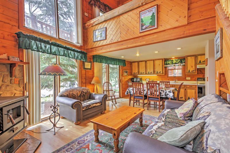 Enjoy a serene alpine retreat at this Grand Lake vacation rental cabin!