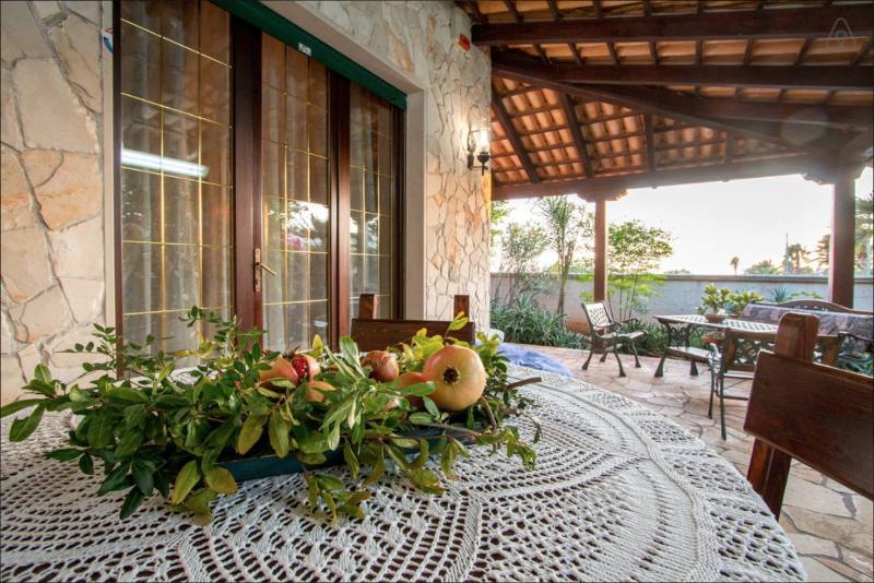 relax, natura con tutti i suoi frutti e mare...una vera vacanza salentina!  Buona Vacanza!