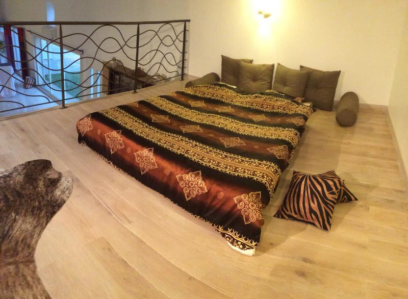 Banquette-lit dépliée 160 x 200