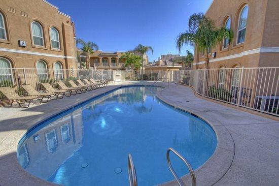 SEE15 - La Quinta Desert Village - 2 BDRM, 2 BA, holiday rental in La Quinta