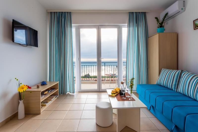 Several apartments which are fully equipped with one or two bedrooms with a view over the horisont
