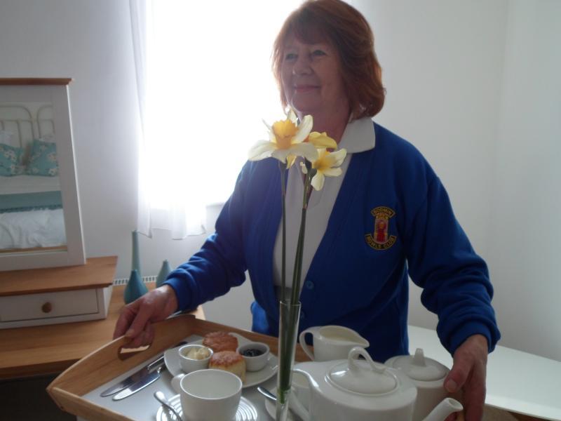 Yvonne, con la sua personalità gentile e amichevole porta una ricchezza di esperienza ristorazione e carattere