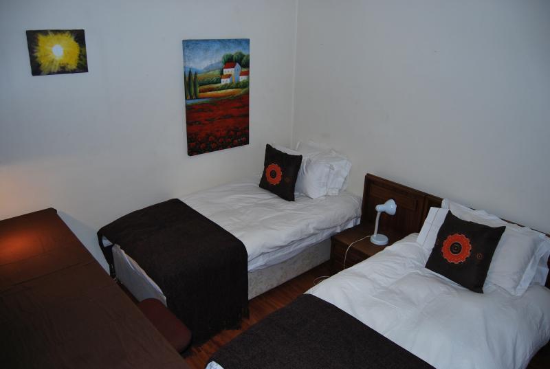 Medical Elective Accommodation Johannesburg/Baragwanath Bedroom Lion's Lair, holiday rental in City Deep