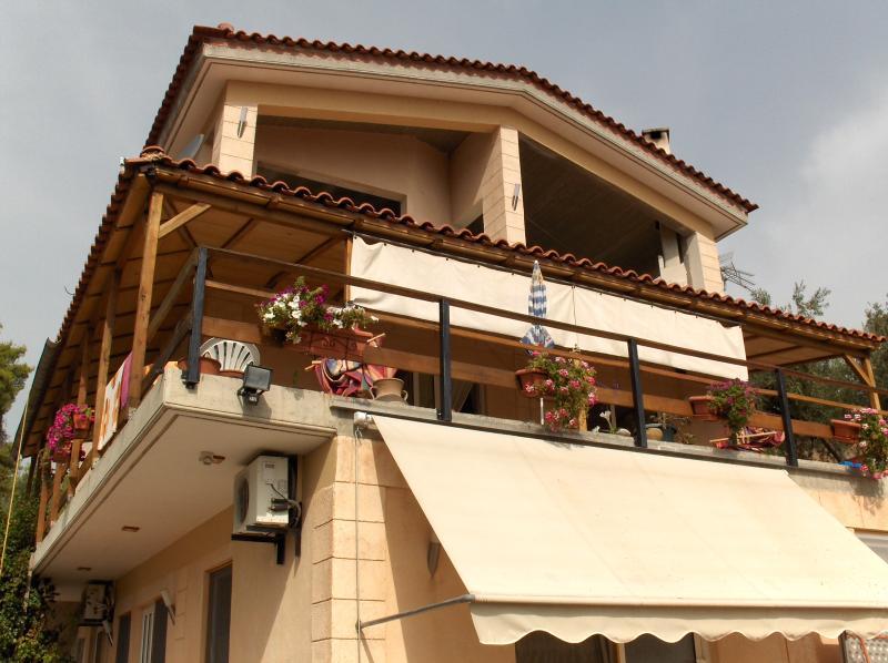 Ferienwohnungen in Zentral Griechenland, location de vacances à Raches